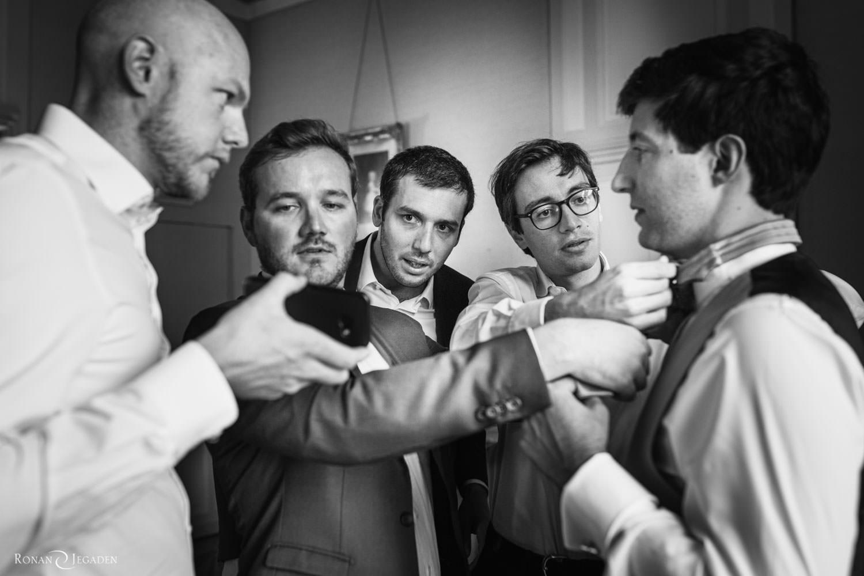quatre copains pour préparer le marié